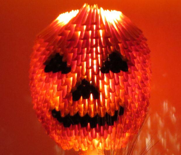 Tutoriel Vidéo : Comment réaliser une citrouille Halloween en Origami 3D